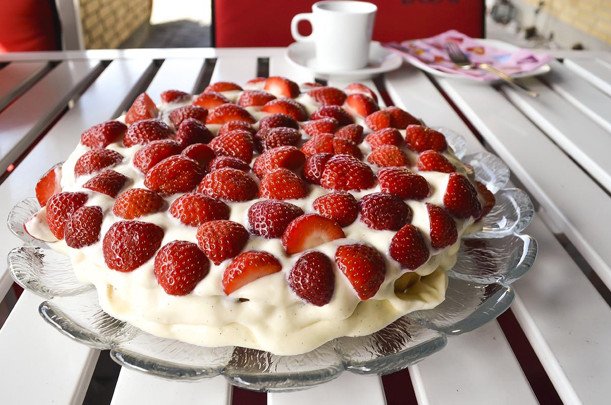 lækker-jordbærtærte-opskirft-3