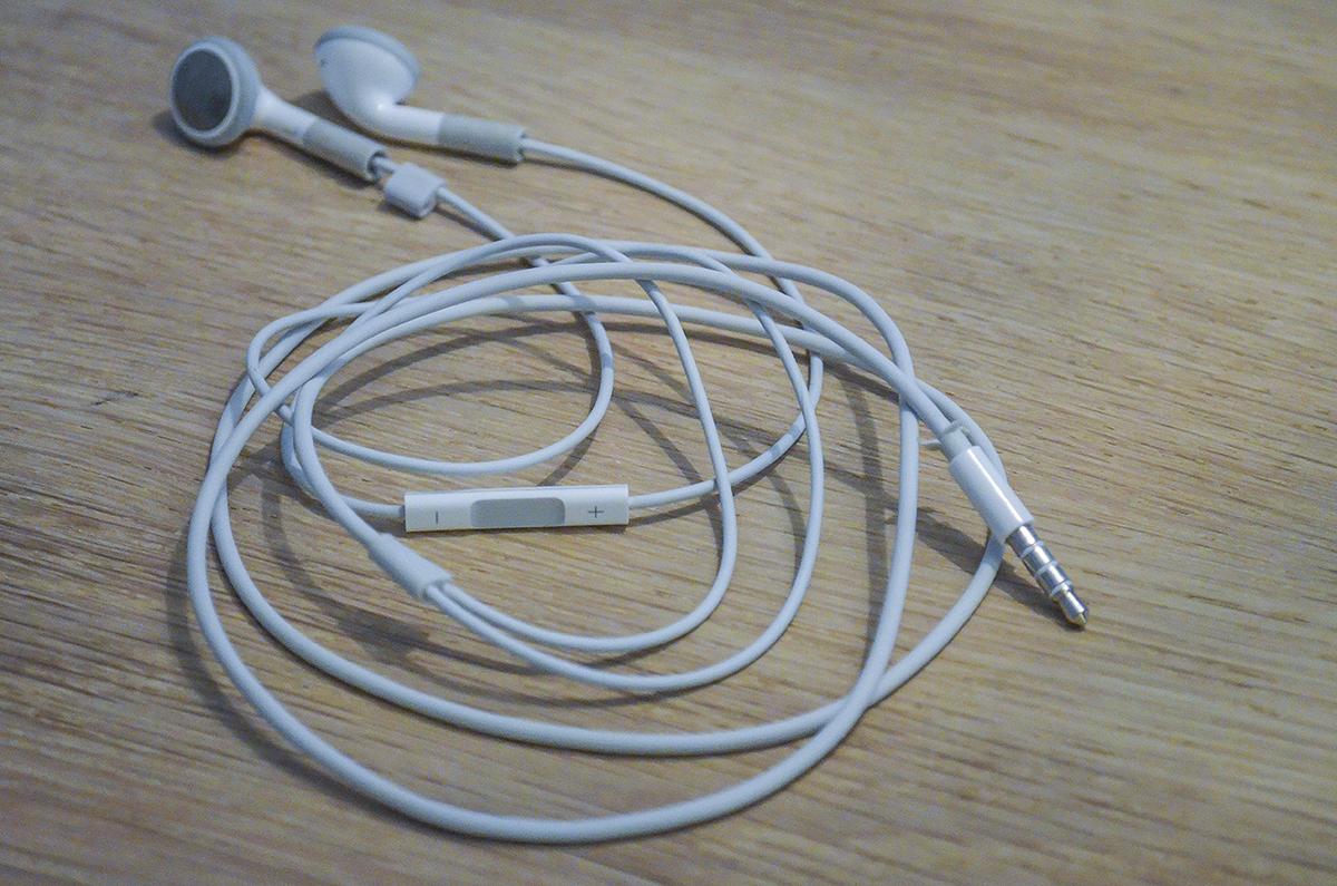 hoeretelefoner-med-hama-perler-2