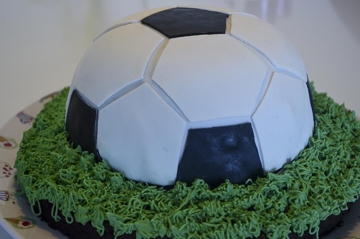 fodboldkage-med-oreofyld-2