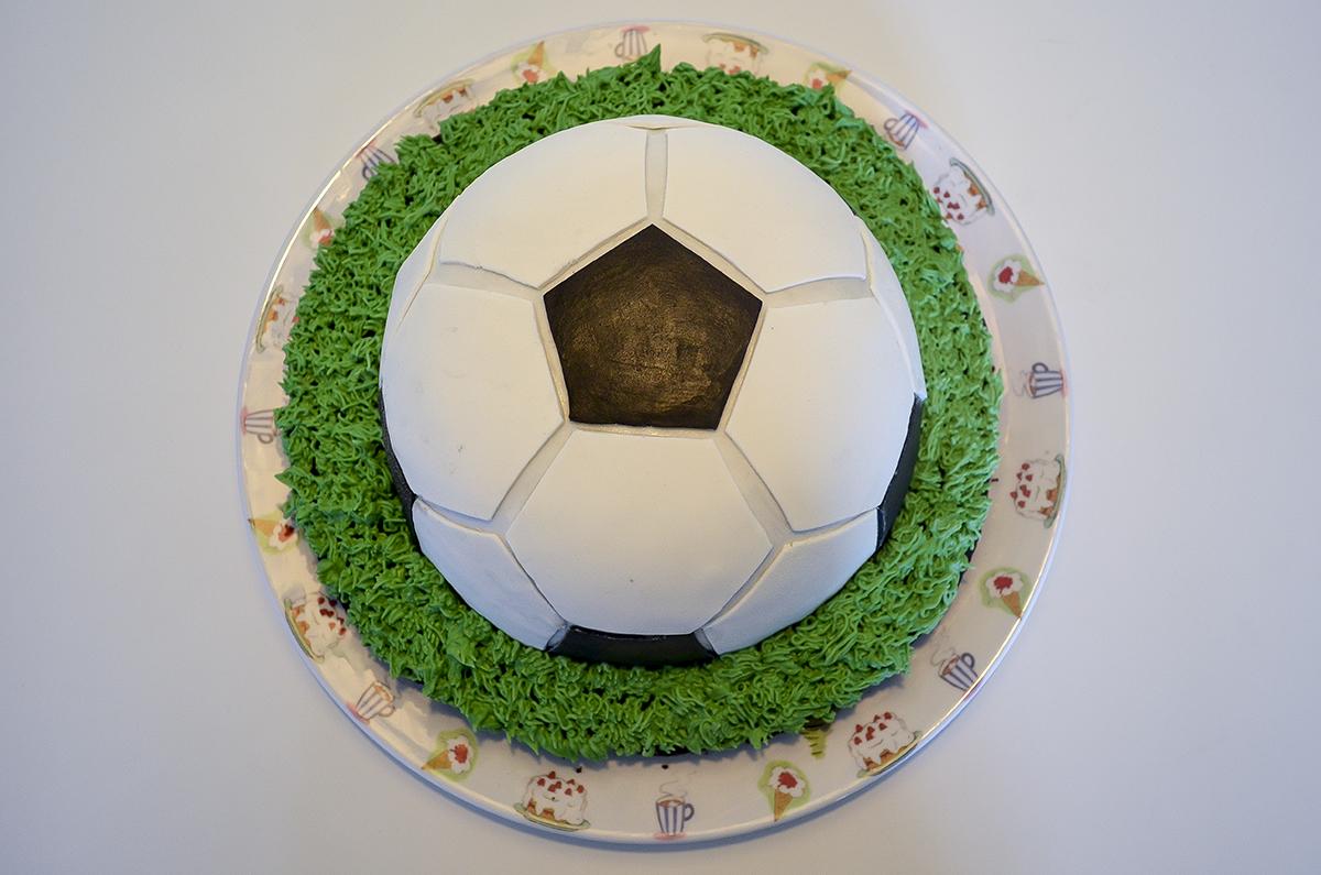 fodboldkage-med-oreofyld-5