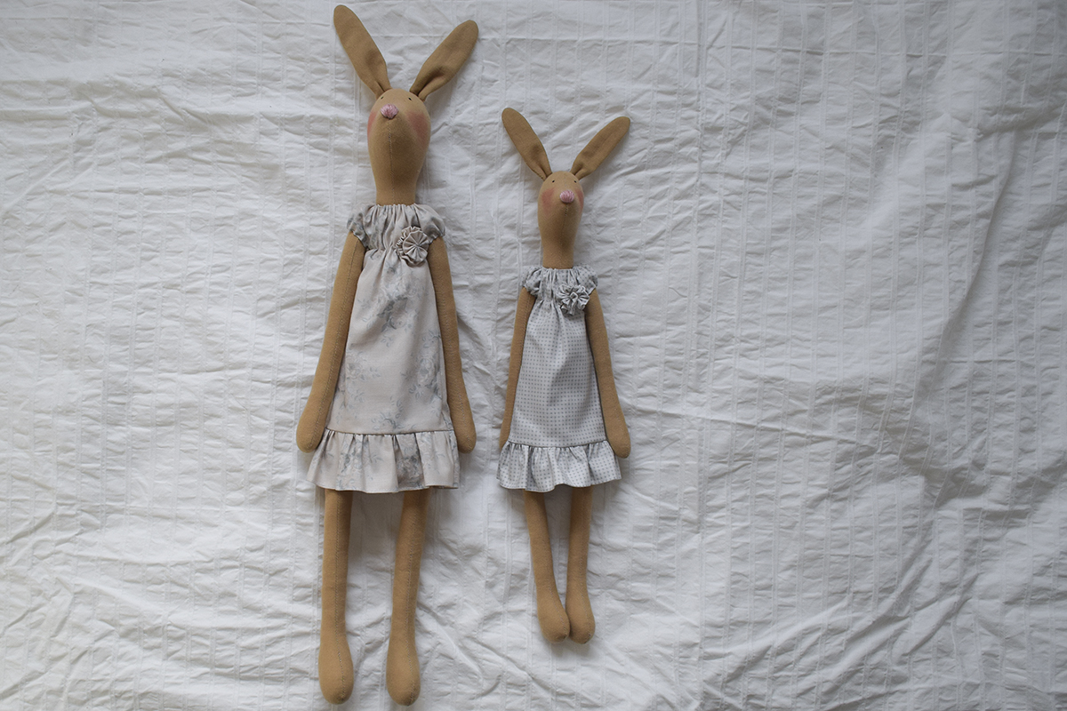 Tilda-hare-mother-and-child-2