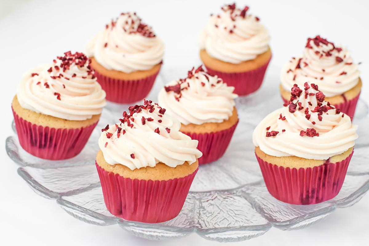 hindbaer-cupcake-opskrift-2
