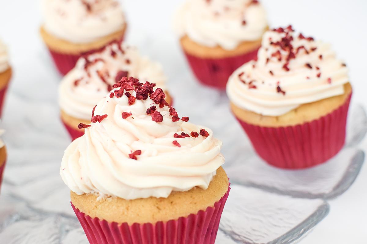 hindbaer-cupcake-opskrift-3