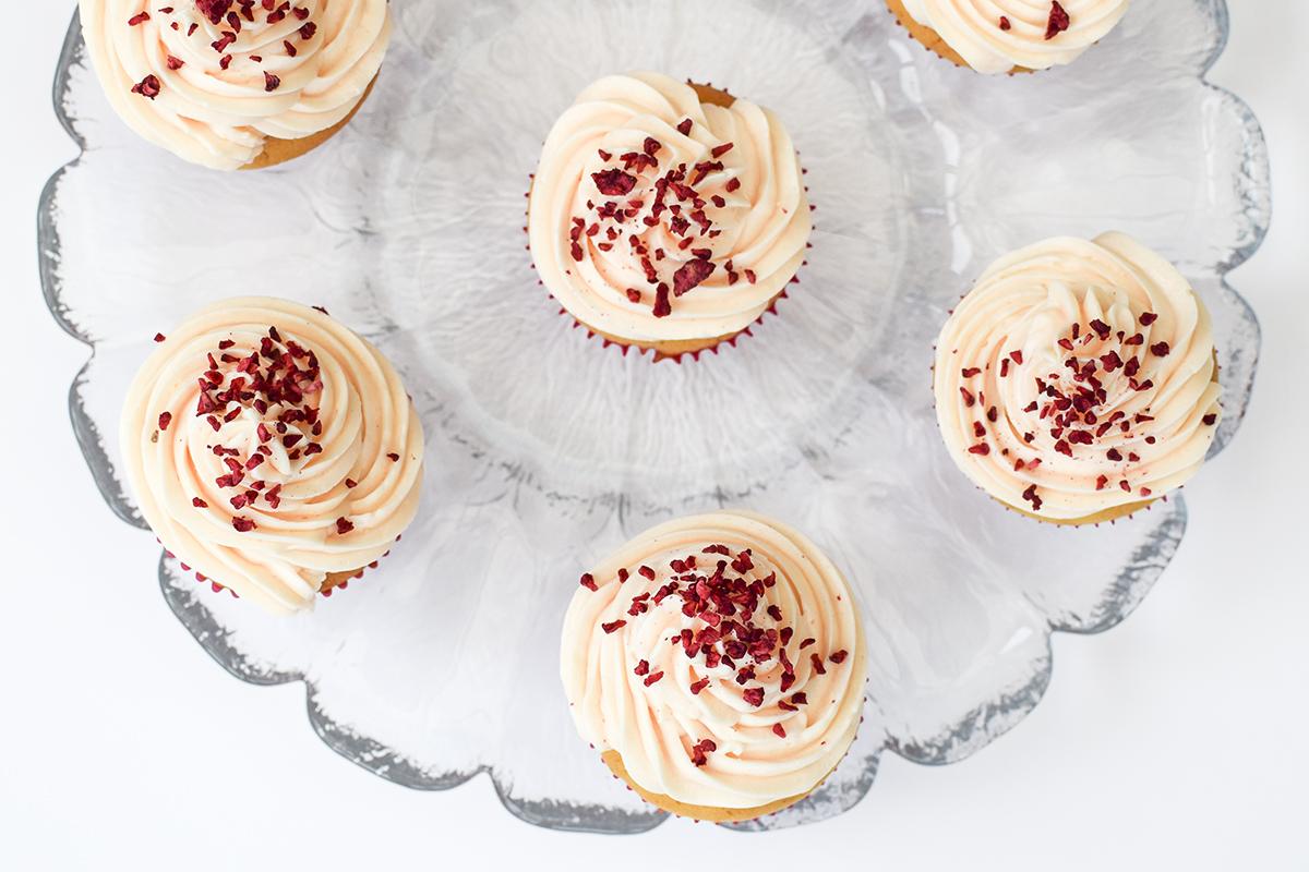 hindbaer-cupcake-opskrift-4