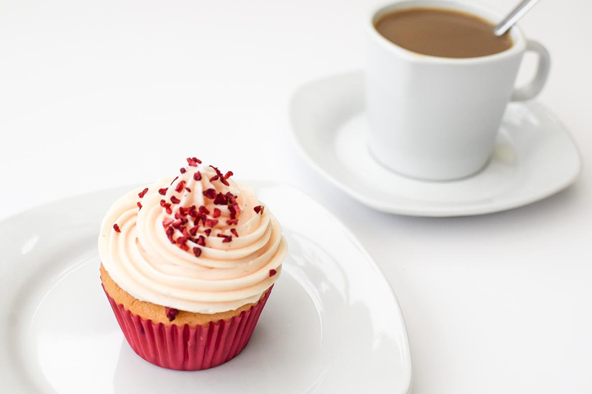 hindbaer-cupcake-opskrift-5